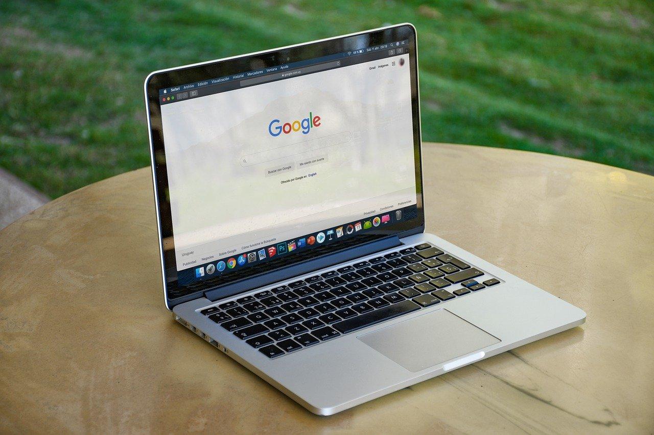 analizowanie stron przez wyszukiwarkę